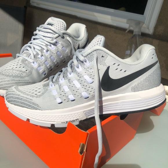 be4b91e98019 Nike Women s Air Zoom Vomero 11 Running Shoe